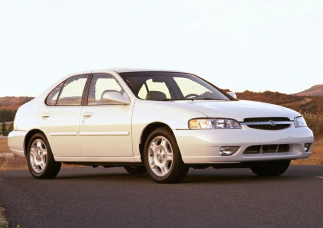 2001 nissan altima curb weight